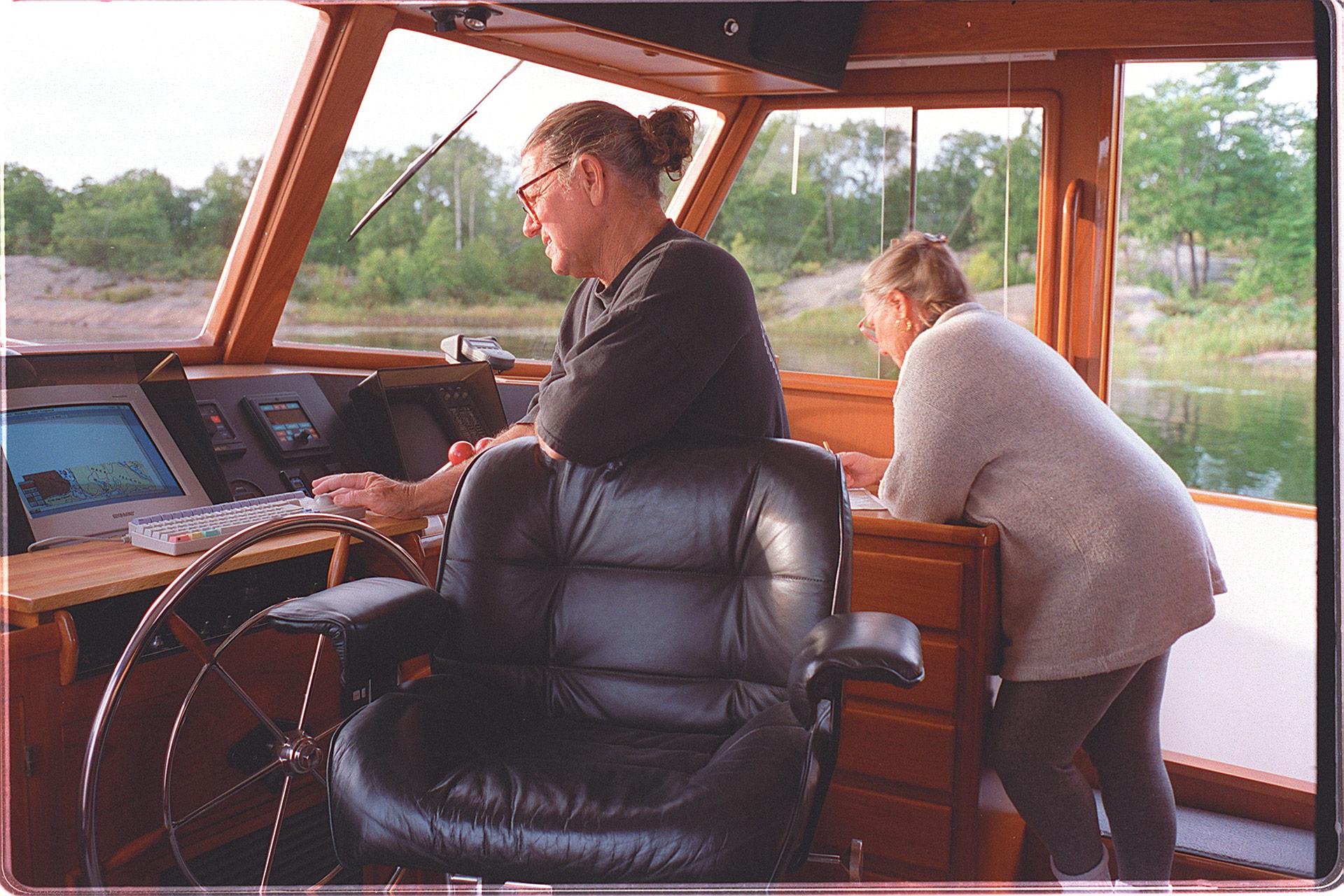 american_windsurfer_4.4_hoyle_schweitzer_cockpit