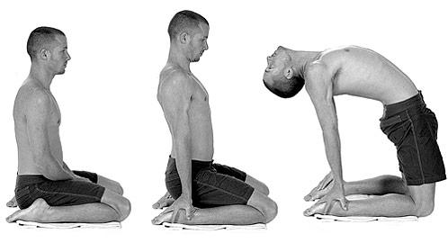 american_windsurfer_5.1_yoga-kneeling-s